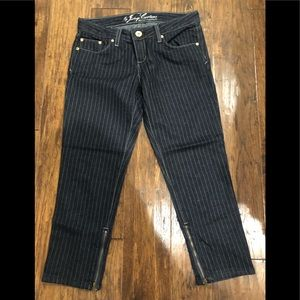 3/4 length jeans with zipper at bottom